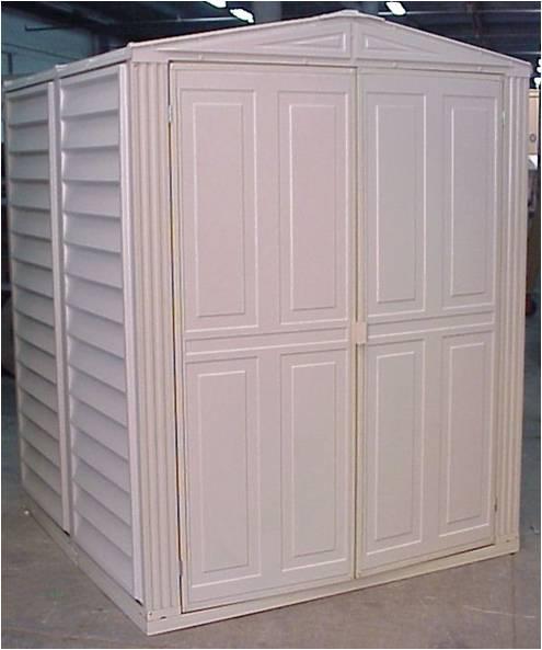 Duramax caseta jard n de pvc yardmate 55 for Casetas de pvc para jardin segunda mano