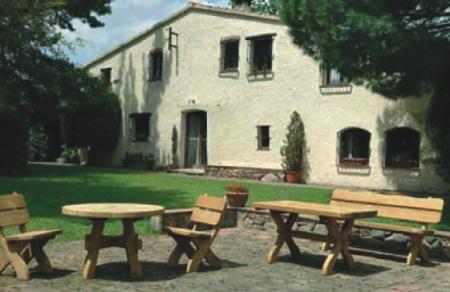 Seifil percan banco sillas mesa de madera jard n for Mesa banco madera jardin