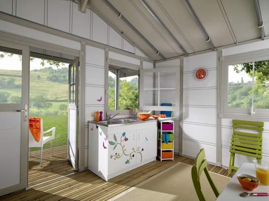 Grosfillex linea deco 20a garden home casa de jardin pvc for Casas de pvc para jardin